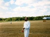 GarryLookiting at kite